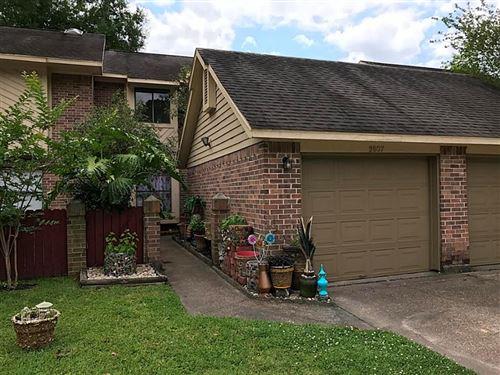 Photo of 2807 Elm Grove Court, Houston, TX 77339 (MLS # 39478396)