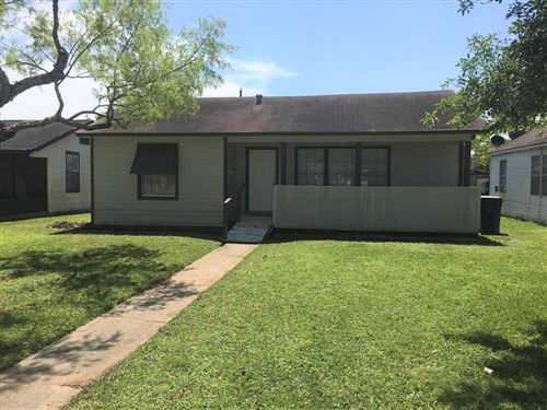 Photo of 1427 W 6th Street, Freeport, TX 77541 (MLS # 70032401)