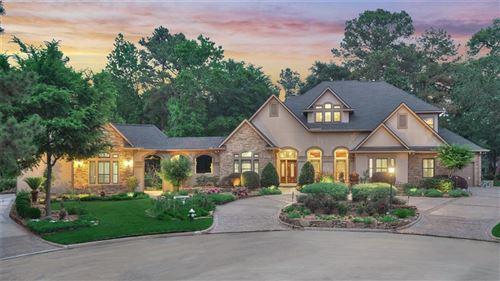 Photo of 2 W Oaks Court, Montgomery, TX 77356 (MLS # 36733403)