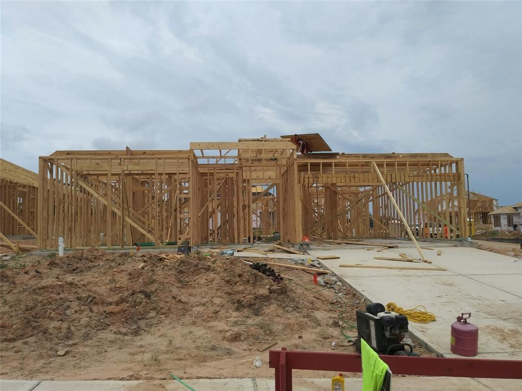 Photo for 20132 Clear Ridge Lane, Montgomery, TX 77316 (MLS # 48648403)