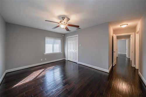 Photo of 3310 Durhill Street, Houston, TX 77025 (MLS # 11549404)