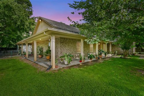 Photo of 4001 GALVESTON AVE, Dickinson, TX 77539 (MLS # 86084404)