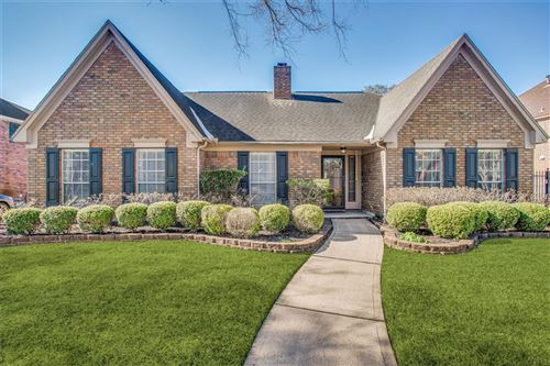 Photo of 2306 Eagles Way, Pearland, TX 77581 (MLS # 87055406)