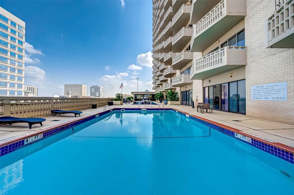 Photo for 2016 Main Street #2322, Houston, TX 77002 (MLS # 61889408)