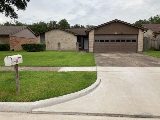 Photo for 13523 Greywood, Sugar Land, TX 77498 (MLS # 72920410)