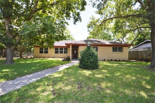 Photo of 18123 Hereford Lane, Nassau Bay, TX 77058 (MLS # 88617412)