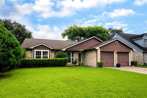 Photo of 16723 Barkentine Lane, Friendswood, TX 77546 (MLS # 48049413)