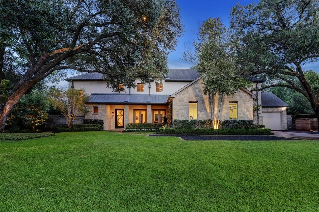 Photo for 7807 Woodway Drive, Houston, TX 77063 (MLS # 26759413)
