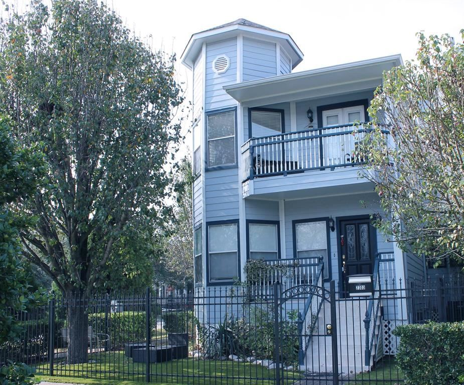 Photo for 2303 Nicholson Street, Houston, TX 77008 (MLS # 84694414)