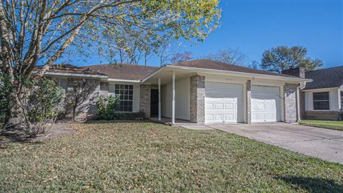Photo of 8702 Parkcrest Forest Drive, Houston, TX 77088 (MLS # 68394417)