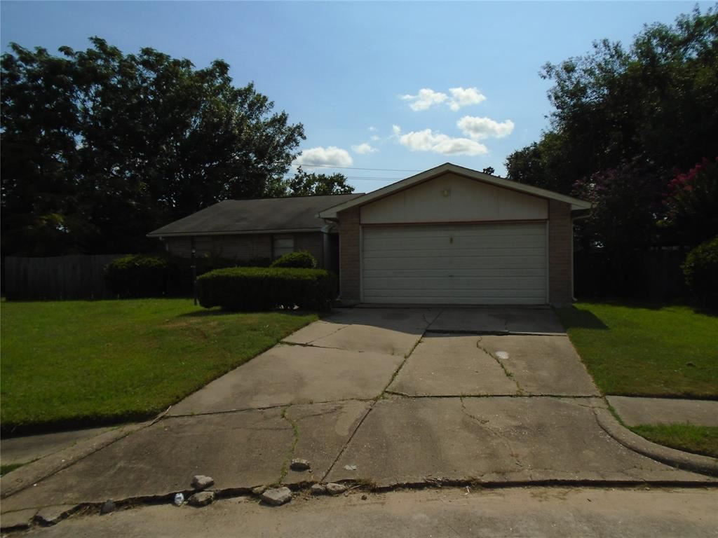 Photo for 5527 Condon lane, Houston, TX 77053 (MLS # 75519417)