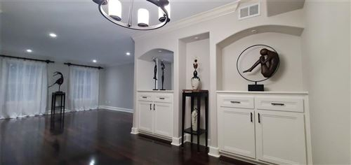 Photo of 351 N Post Oak Lane #712, Houston, TX 77024 (MLS # 57923422)