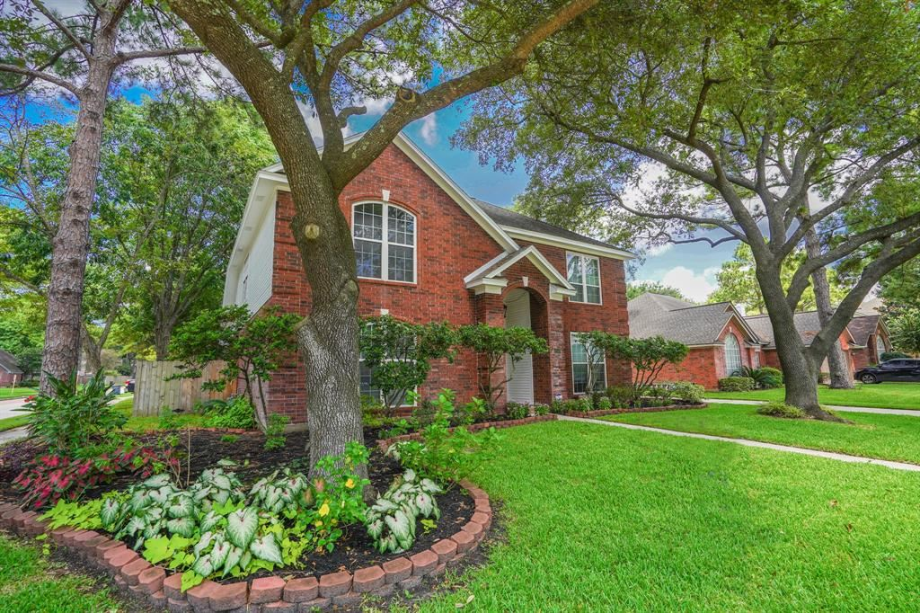 Photo for 12503 Mill Hedge Drive, Houston, TX 77070 (MLS # 7691427)