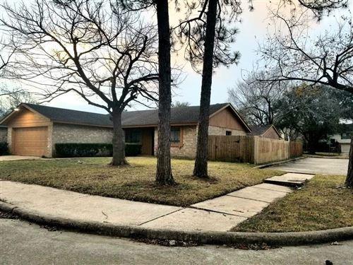 Photo of 4851 Beechaven Drive, Houston, TX 77053 (MLS # 47915429)