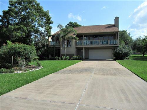 Photo of 3610 Miramar Drive, Shoreacres, TX 77571 (MLS # 97738429)