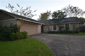 Photo of 17115 Coopers Draw Lane, Friendswood, TX 77546 (MLS # 95732433)