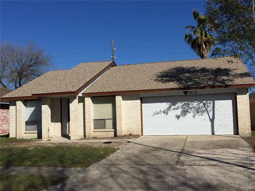 Photo of 3618 Oakhall Drive, Houston, TX 77066 (MLS # 8954435)