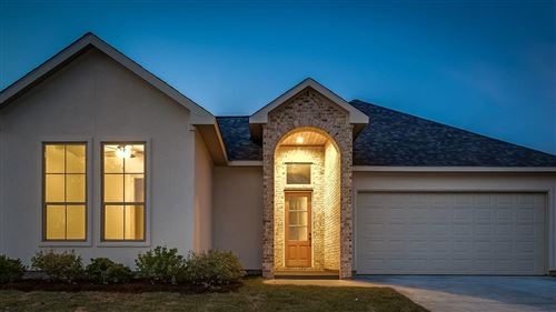 Photo of 199 Waterford, Montgomery, TX 77356 (MLS # 12425437)