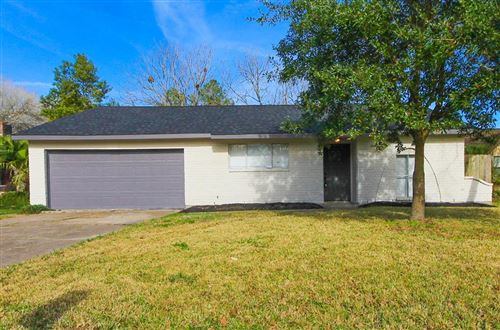 Photo of 16927 Barcelona Drive, Friendswood, TX 77546 (MLS # 33222438)