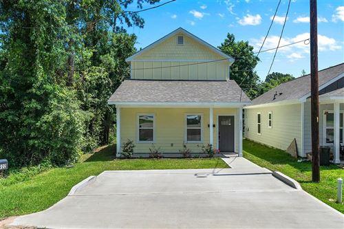 Photo of 16922 W Alderson, Montgomery, TX 77316 (MLS # 37865438)
