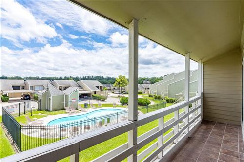 Photo of 44 April Point Drive, Montgomery, TX 77356 (MLS # 37011443)