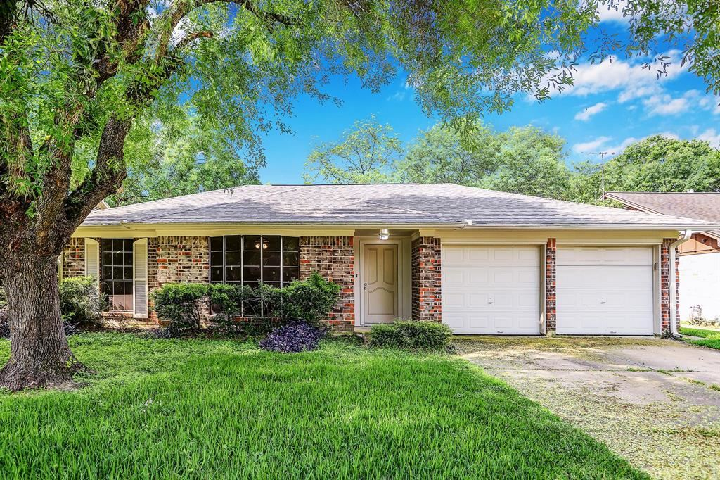 Photo for 16307 Autumn Wind Drive, Houston, TX 77090 (MLS # 43861444)
