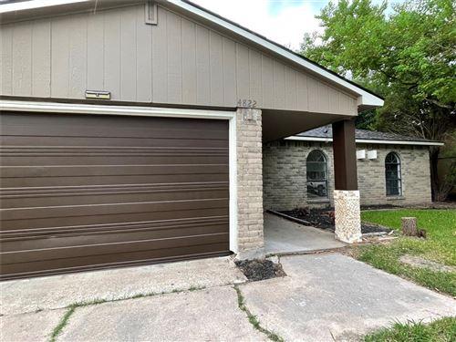 Photo of 4822 Raven Ridge Drive, Houston, TX 77053 (MLS # 95407447)