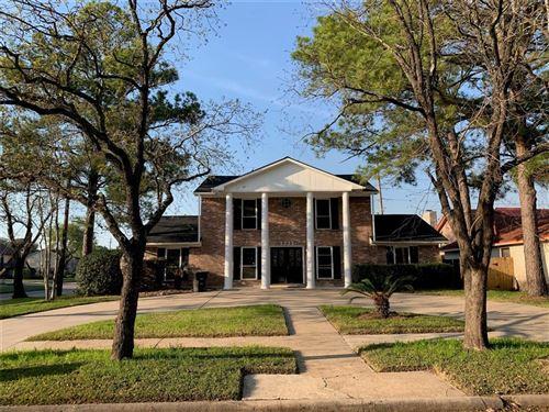 Photo of 5722 Arncliffe Drive, Houston, TX 77088 (MLS # 15921452)
