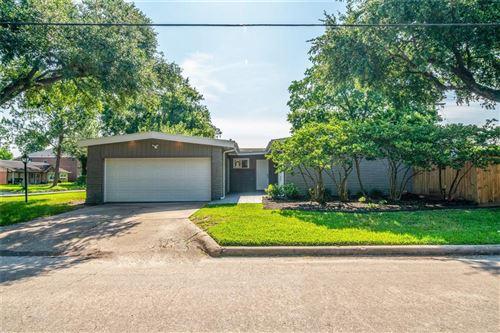 Photo of 5539 Indigo Street, Houston, TX 77096 (MLS # 29998454)