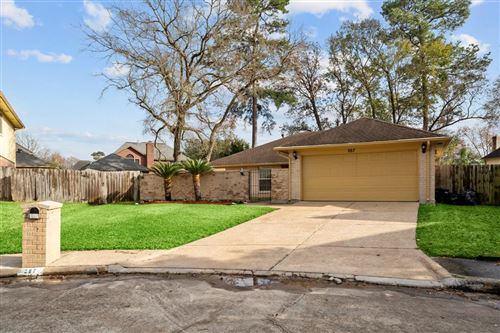 Photo of 267 Castle Way Lane, Houston, TX 77015 (MLS # 35024455)