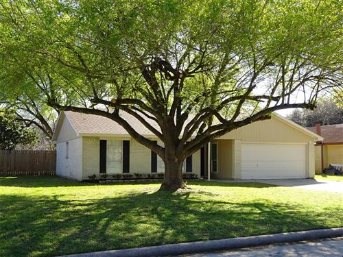 Photo of 8314 Snail Hollow Drive, Houston, TX 77064 (MLS # 60558455)