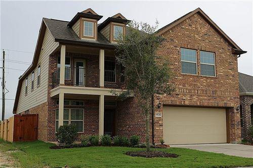 Photo of 19234 N Cottonwood Green Lane, Cypress, TX 77433 (MLS # 96761458)