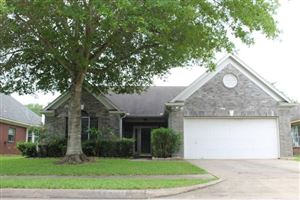 Photo of 2922 Veva Drive, Pearland, TX 77584 (MLS # 66811461)