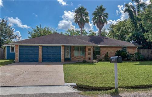 Photo of 911 Vivian Street, Kemah, TX 77565 (MLS # 64932462)
