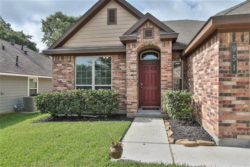 Photo of 951 Oak Lynn Drive, Conroe, TX 77378 (MLS # 32599466)