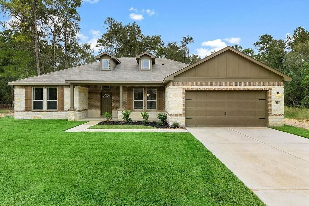 Photo for 12475 North Chestnut Hill Drive, Conroe, TX 77303 (MLS # 14647466)
