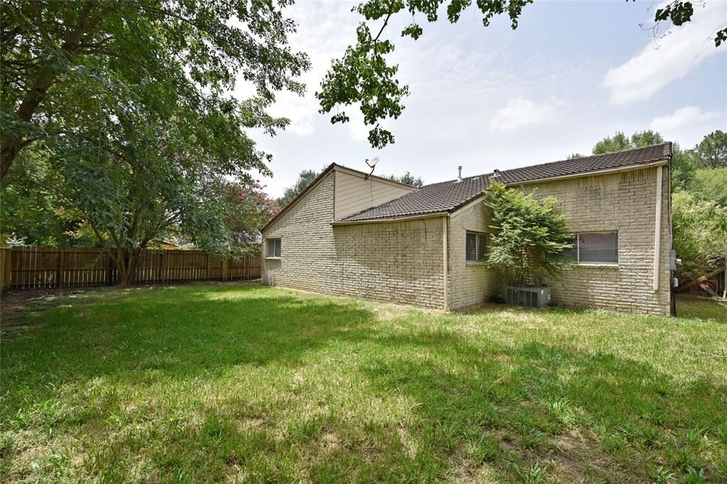 Photo for 4007 R V Mayfield Drive, Houston, TX 77088 (MLS # 89721472)
