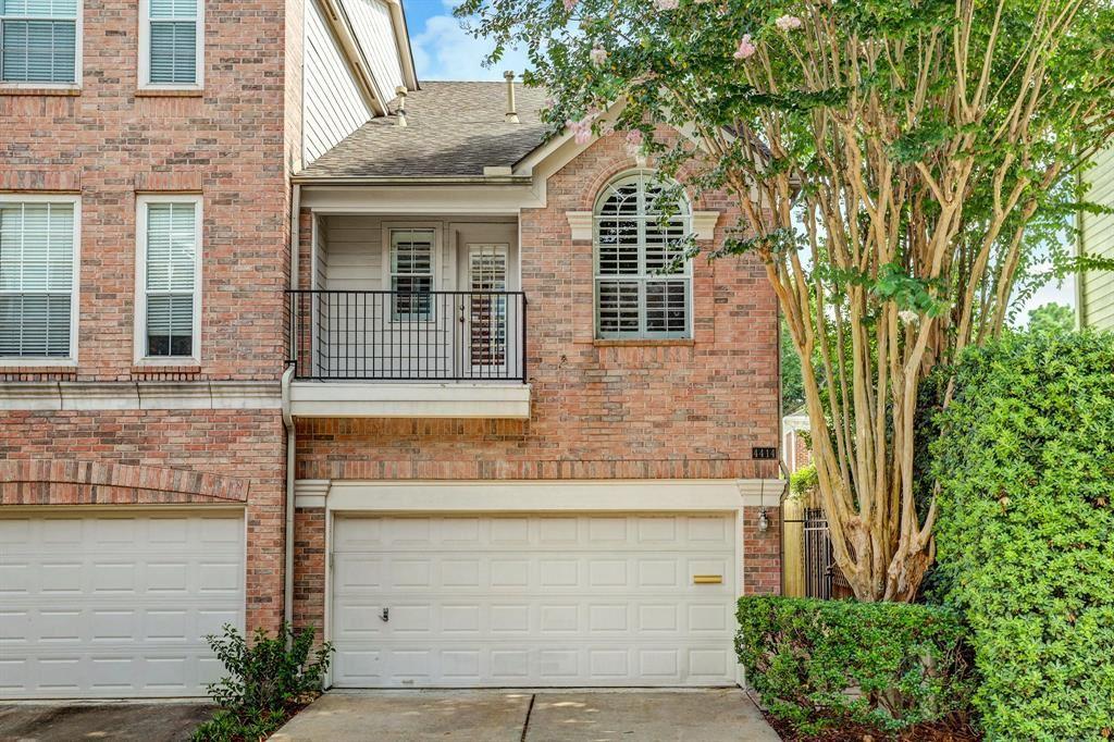 Photo for 4414 Castle Court Place, Houston, TX 77006 (MLS # 53452483)