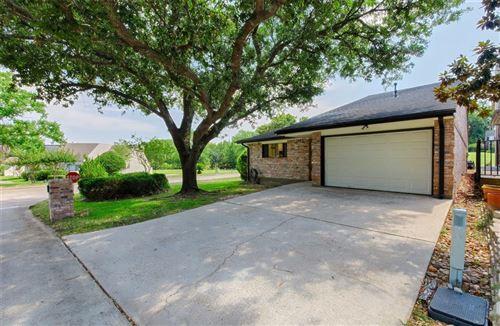 Photo of 101 Fairway View Lane, Conroe, TX 77356 (MLS # 80705484)