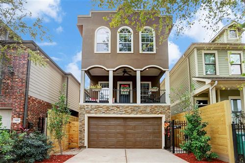 Photo of 827 W 26th Street, Houston, TX 77008 (MLS # 65912485)
