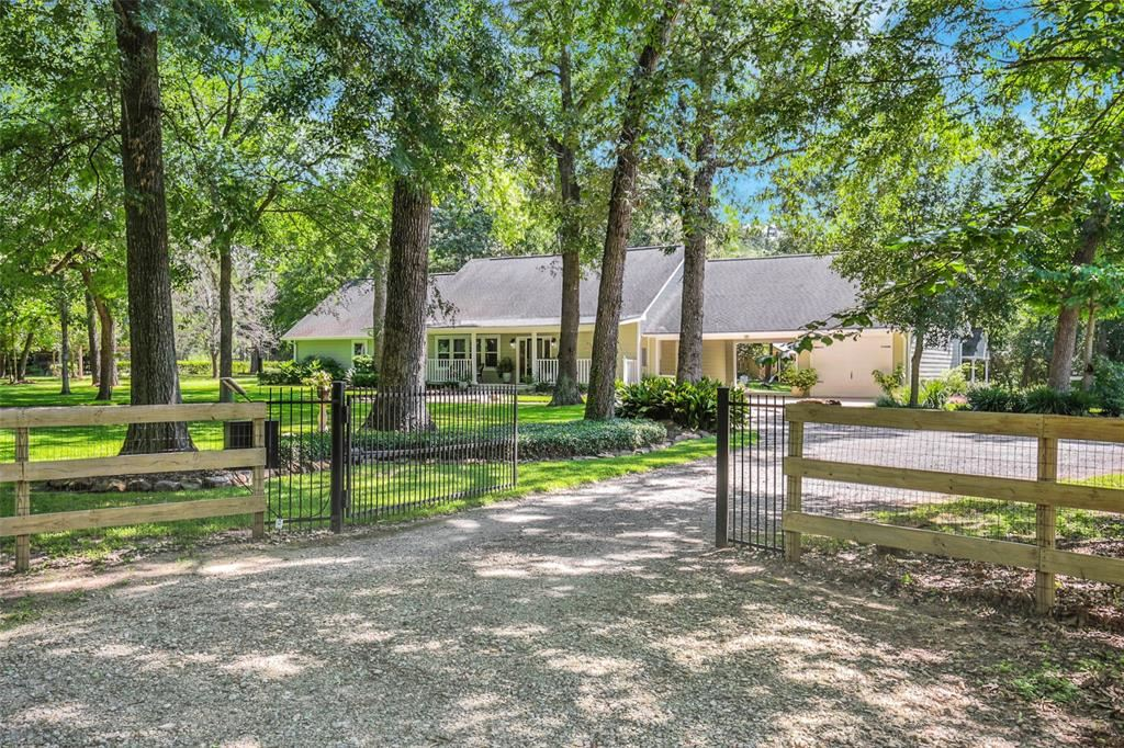 Photo of 23915 Spring Drive, Hockley, TX 77447 (MLS # 58945494)