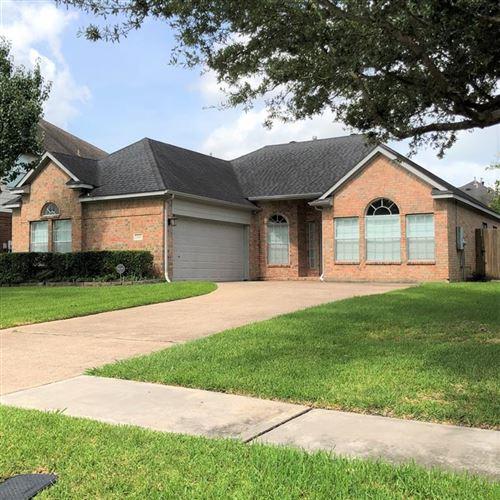 Photo of 3146 W Hampton Drive, Houston, TX 77082 (MLS # 87697499)