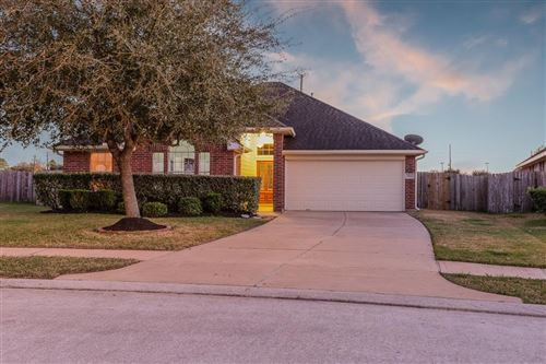 Photo of 7502 Quiet Trace Lane, Pearland, TX 77581 (MLS # 56703500)