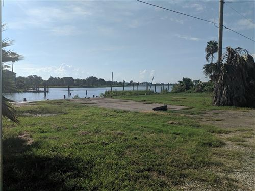 Photo of 935 19th Street, Dickinson, TX 77539 (MLS # 53386502)