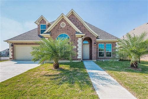 Photo of 307 Twin Timbers, League City, TX 77565 (MLS # 32356503)