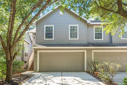 Photo of 115 N Villa Oaks Drive, Houston, TX 77382 (MLS # 34711503)