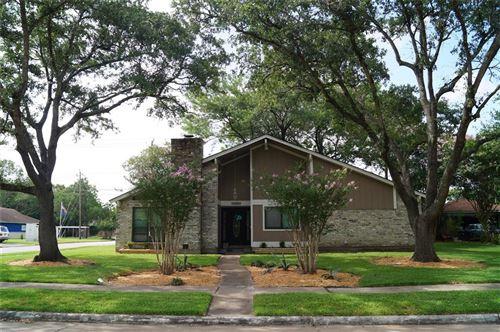 Photo of 703 Whitecap Drive, El Lago, TX 77586 (MLS # 52484508)