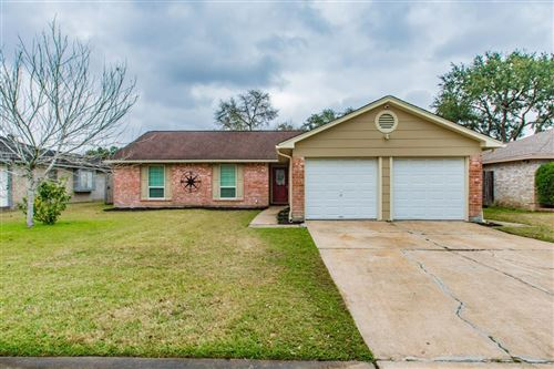 Photo of 16215 Forest Bend Avenue, Friendswood, TX 77546 (MLS # 7952508)