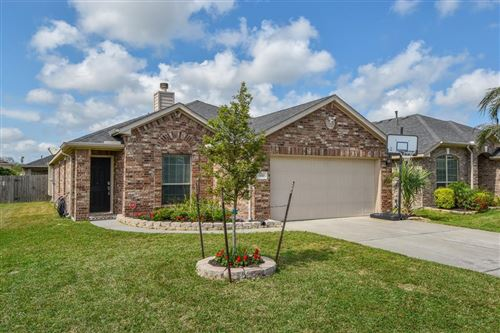 Photo of 330 Edgewater Park Drive, Bacliff, TX 77518 (MLS # 87570508)