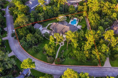 Photo of 6 S Regent Oak, The Woodlands, TX 77381 (MLS # 48766509)